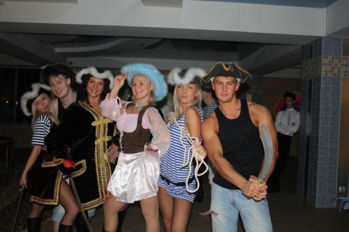 Костюмы на пиратскую вечеринку своими руками